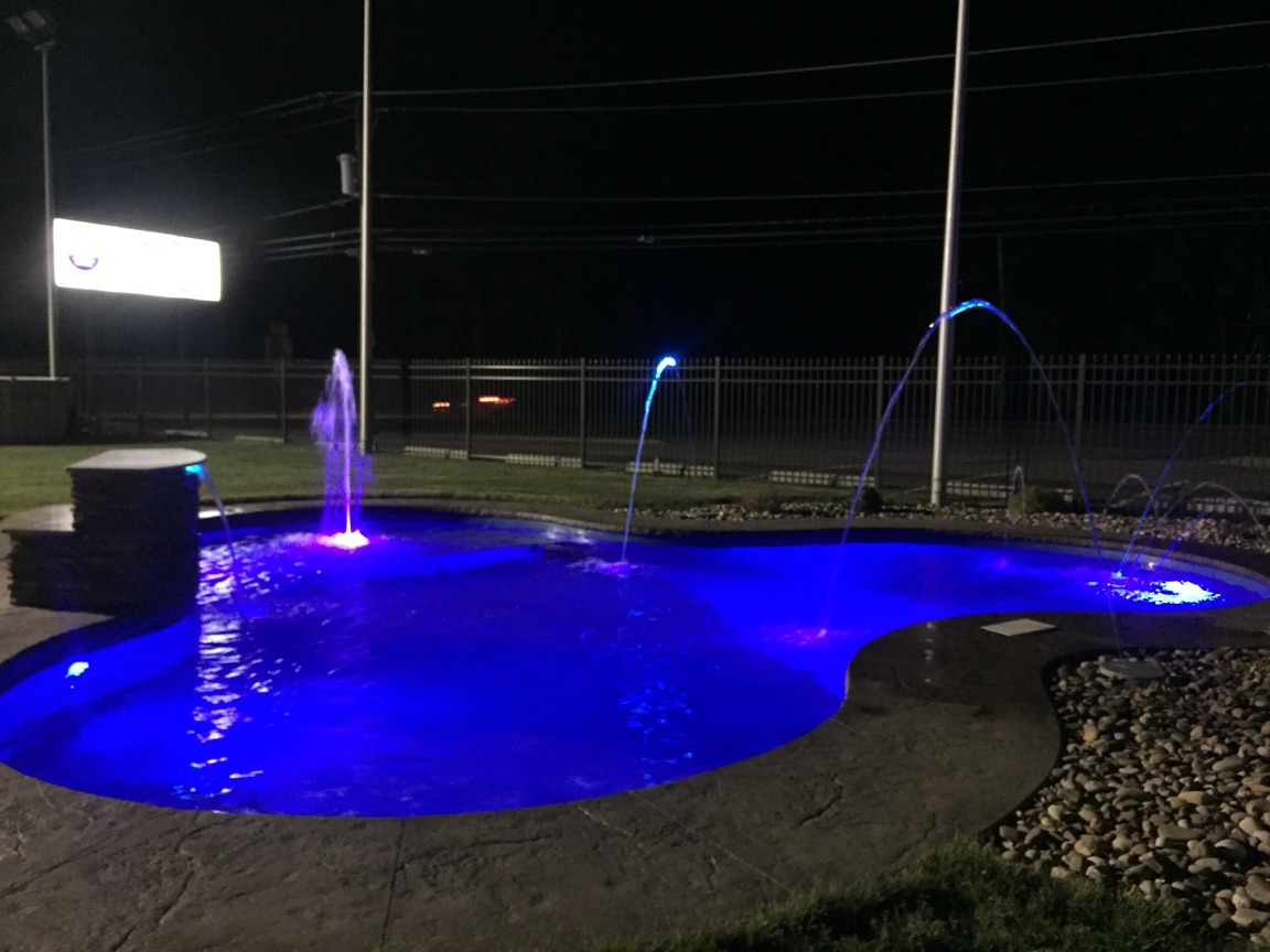 Wb Display Pool